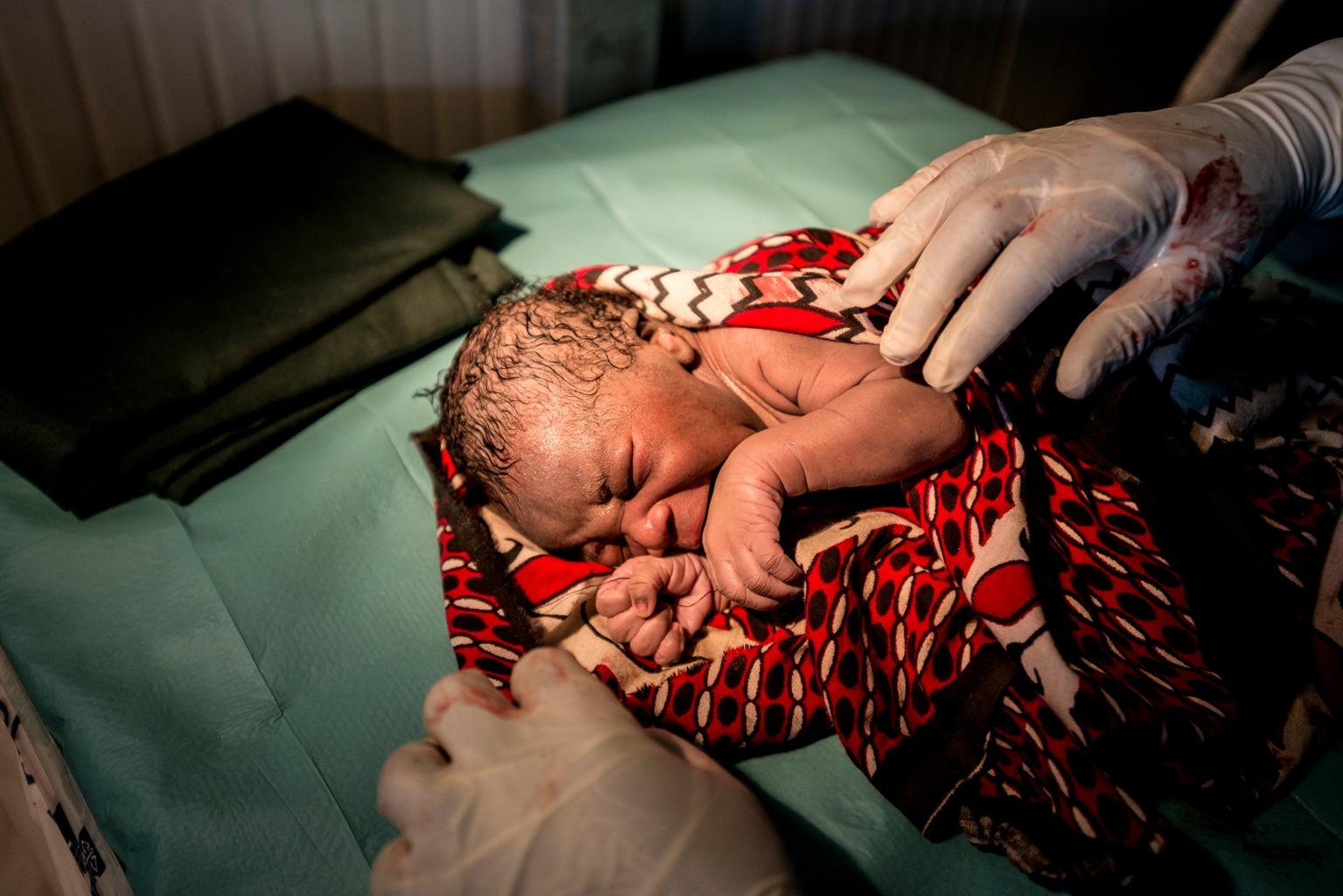 Više od 16 milijuna djece ove godine rođeno je u sukobu
