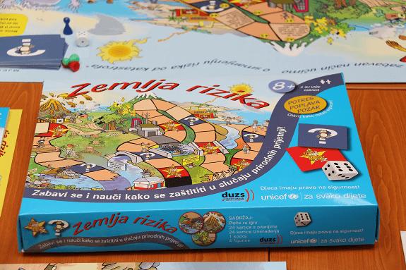 """Primjerak igre """"Zemlja rizika""""."""