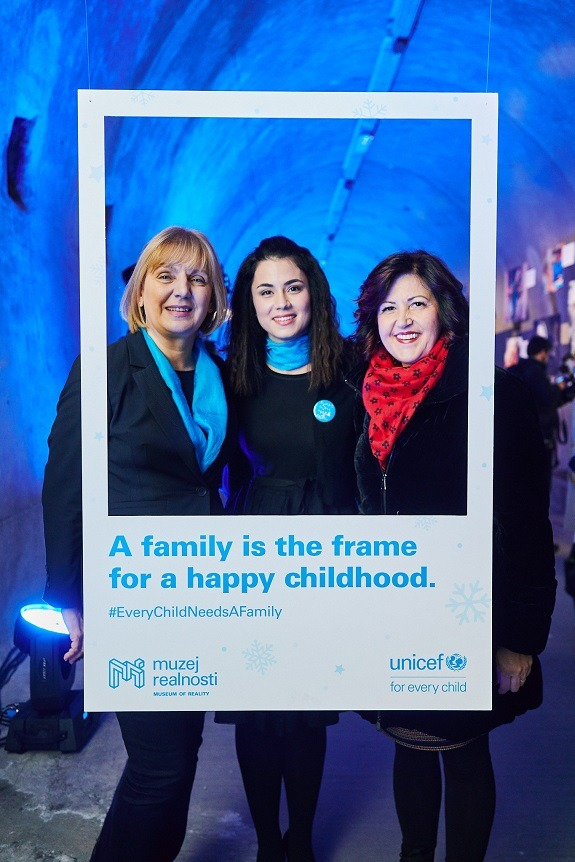 Mirna Medaković Stepinac, accompanied by Đurđica Ivković, Acting Head of the UNICEF Office for Croatia, and Marija Pletikosa, State Secretary in the Ministry of Demographics, Family, Youth and Social Policy, in UNICEF's Museum of Reality in Zagreb's Grič Tunnel.