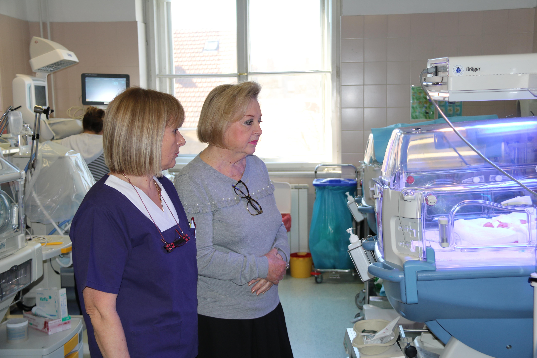 Gabi Novak u posjetu roditeljima prijevremeno rođene djece